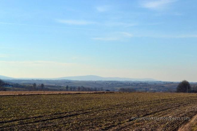 Na horyzoncie pasmo Łysogóry