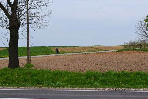 Przez pola...
