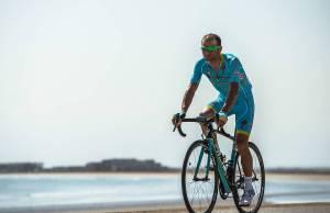 Michele Scarponi. na rowerze