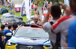 Czesław Lang w samochodzie dyrektora Tour de Pologne