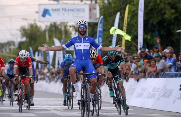 Fernando Gaviria bierze 1. etap San Juan