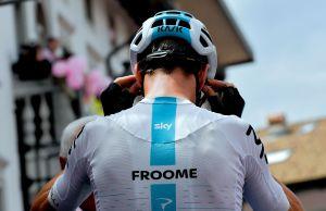 Chris Froome odwrócony tyłem