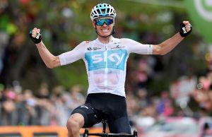 Chris Froome w geście zwycięstwa
