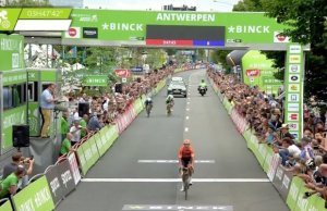 BinckBank Tour 2018: etap 3. Życiowy sukces Taco Van Der Hoorna