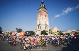 peleton na trasie Tour de Pologne