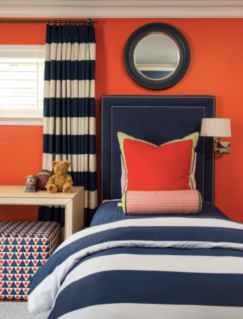 When choosing blue and orange in wall colour, pick the same intensity in each shade so that one doesn't overpower the other.