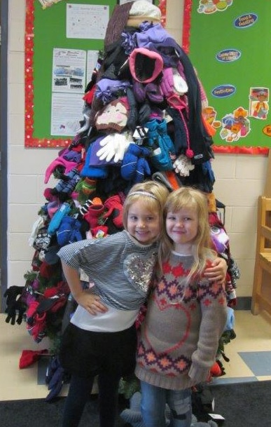 Mitten Tree for the Salvation Army