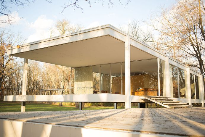 Farnsworth_House_by_Mies_Van_Der_Rohe_-_porch