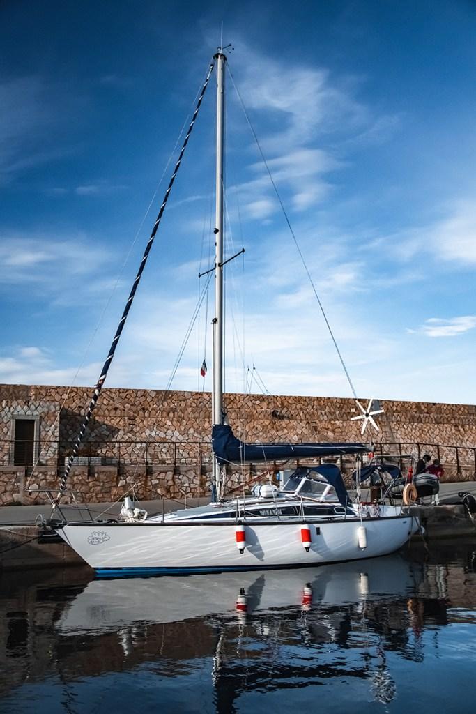 Voilier Isaniyo au port