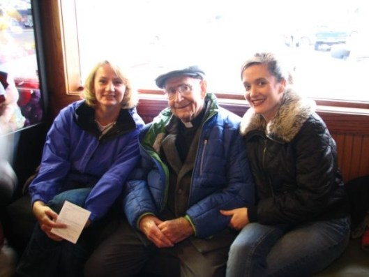 CW Mary and Rox with Fr Bill (2)