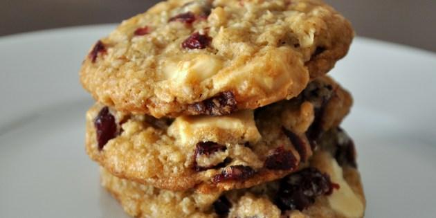 biscuits moelleux aux canneberges chocolat blanc et noix de macadam roxanne cuisine. Black Bedroom Furniture Sets. Home Design Ideas