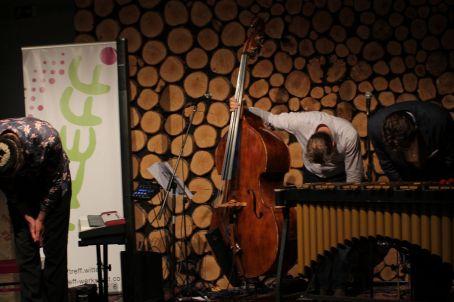 Jazz-Cafe, Jazz hoch drei 16