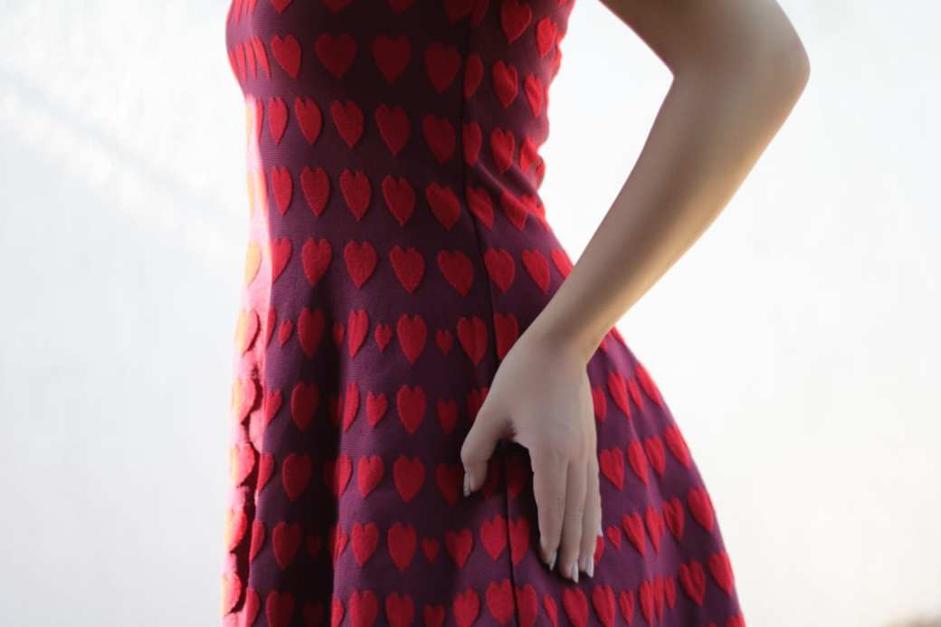 vintage comic book red hearts dress topfashion.com.ro old style pearls roxi rose (11)