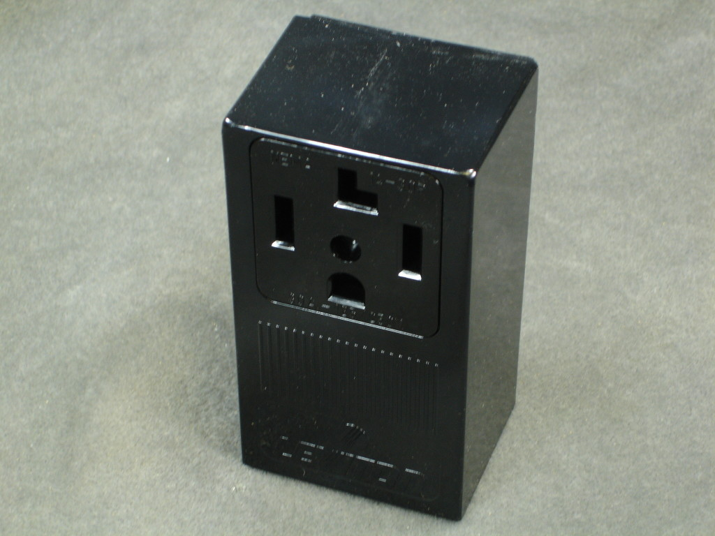 4-WIRE DRYER RECEPTACLE