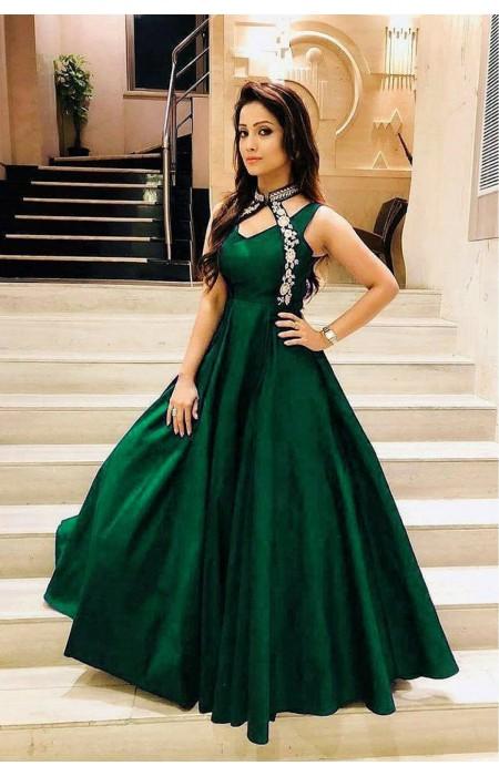 luxurious-look-with-green-taffeta-satin-thread-work-gown