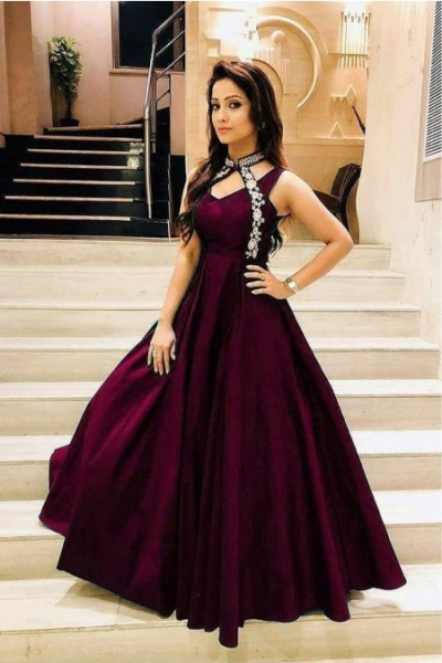 luxurious-look-with-wine-taffeta-satin-thread-work-gown