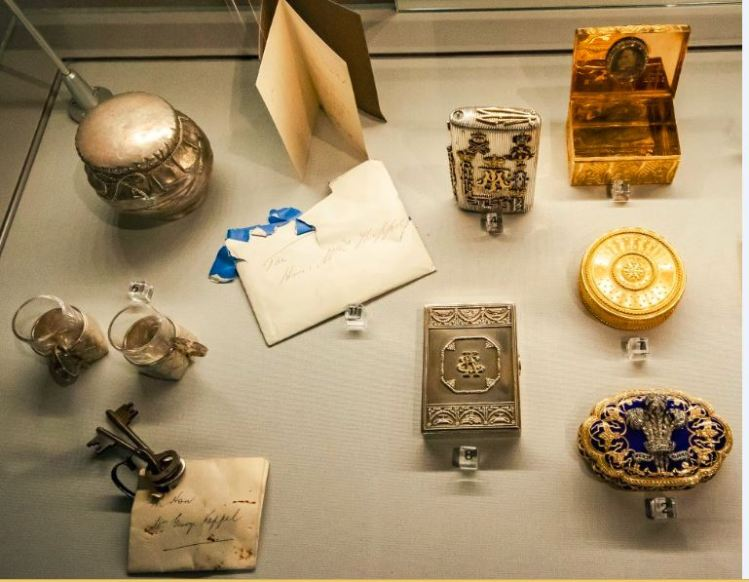 Rare Edward VII love gifts stolen from historic castle