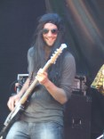 Bassist Tom