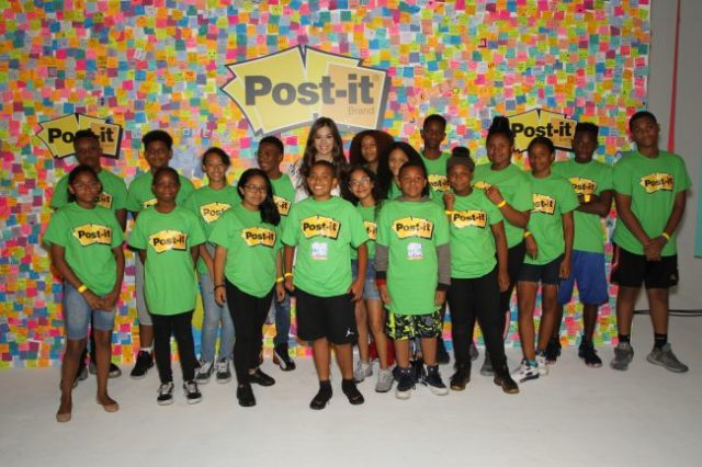 Post-It® Make It Stick Event with Hailee Steinfeld