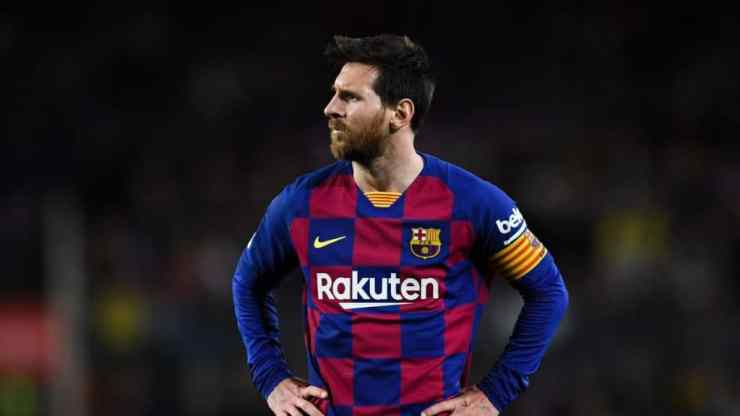 Barcelona offers Messi 10-year contract for half salary