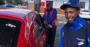 Beggar gets instant employment after helping a man push his car