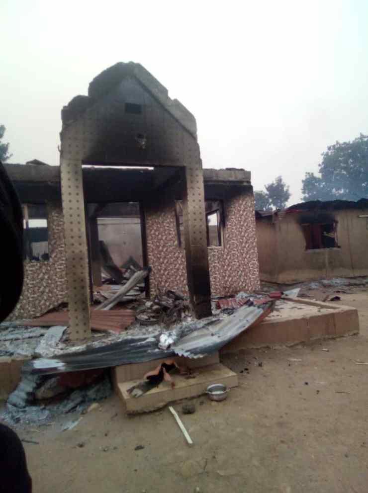 Oyo: Angry youths set Seriki Fulani's house, 11 cars ablaze after Sunday Adeyemo's visit
