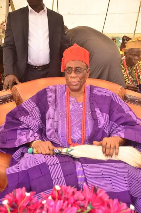 Emir Sulu-Gambari salutes Elerin of Erin-Ile at 39yrs on throne