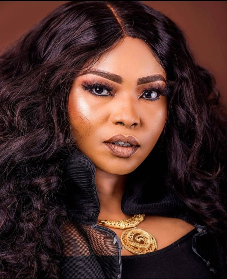 Halima Abubakar gives the middle finger as she slams those who call people old as an insult