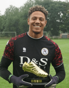 Super Eagles goalkeeper, Maduka Okoye wins player of the year award in Holland