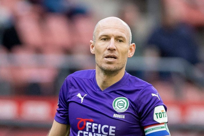 Footballer, Arjen Robben retires for the second time at 37 after battling injuries
