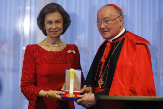 Queen Sofia of Spain receives the Path to Peace award next to Cardinal Renato Martino at the United Nations
