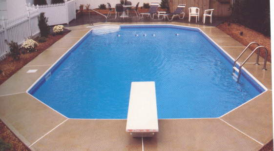 28 Awesome Swimming Pools With Diving Boards