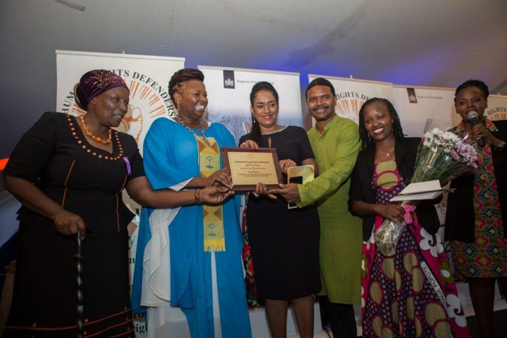 Njeri Kabeberi receiving Munir Mazrui Lifetime Achievement Award 2017.