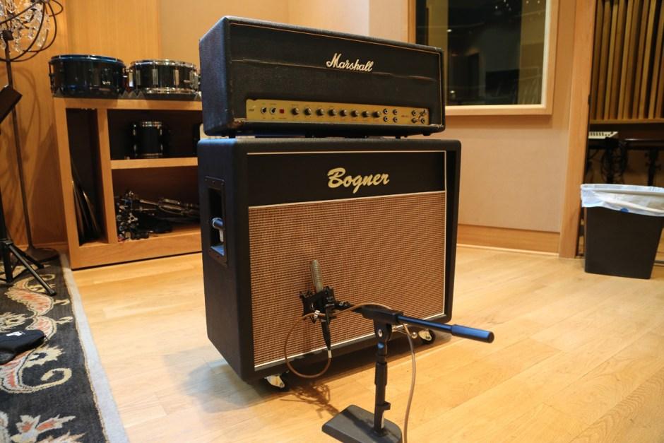 R-121 on amp