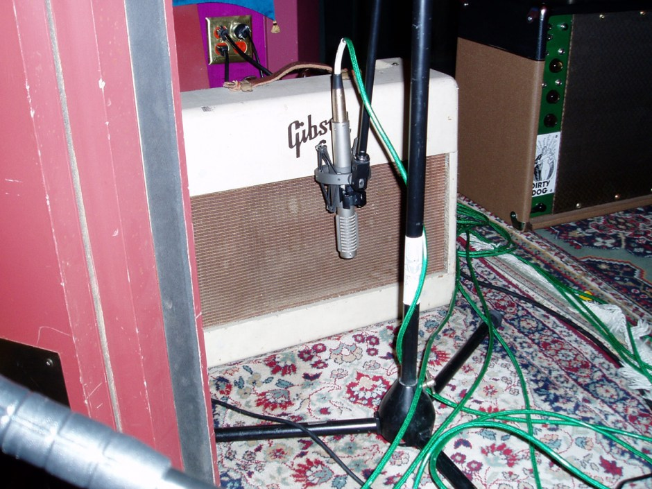 R-121 on amp - Melissa Etheridge session