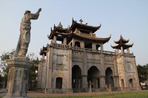 Phat-Diem-church-vietnam-visa-on-arrival6