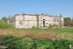 Dziś mauzoleum przypomina ruinę.