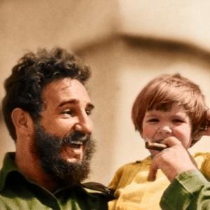 """Fidel zdecydowanie nie był dobrym ojcem. Na ilustracji fragment okładki """"Dzieci dyktatorów"""""""