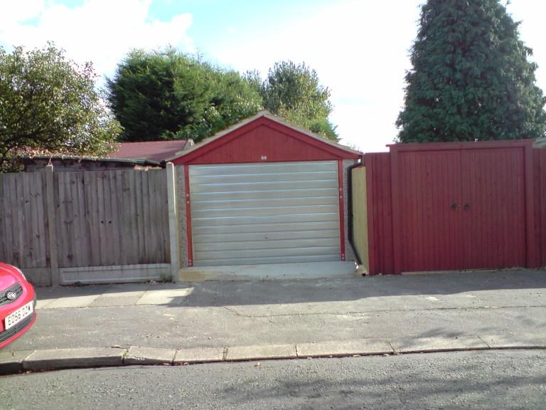ARUNDEL PICTURE 2 768x576 - Single Garages
