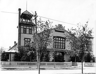 Broadway Armoury and Drill Hall (1904). Archives of Manitoba, Lewis B. Foote Collection, Item 1393.