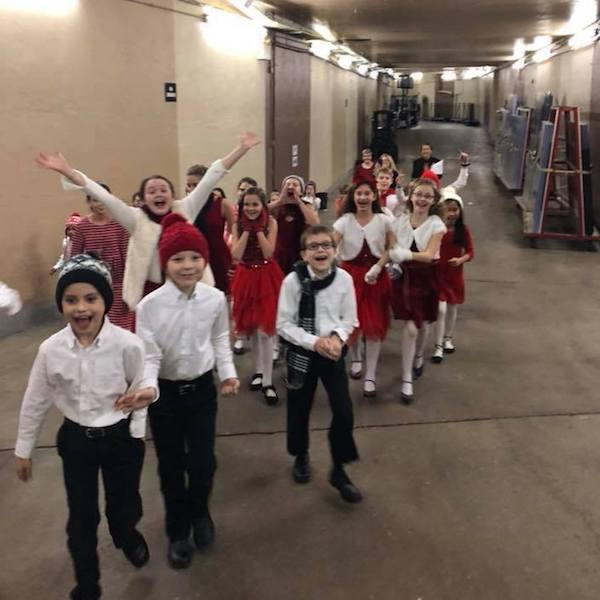 Red Rose Children's Choir and Lake County Boys Choir backstage before singing with Barry Manilow, December 5, 2017