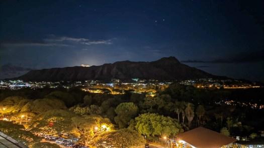 Moonrise over Diamond Head (Lē'ahi)