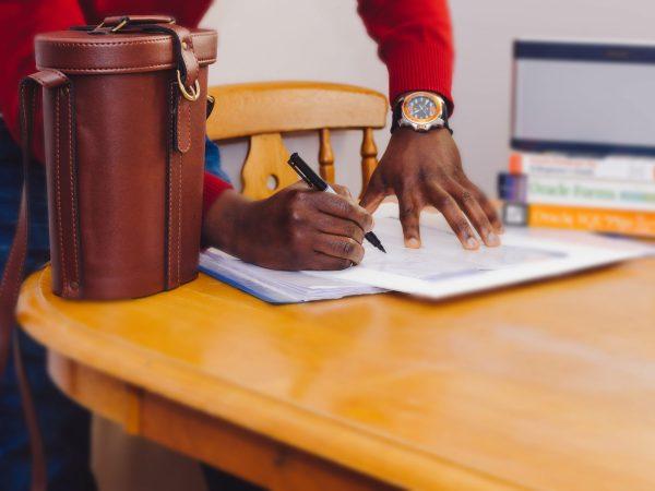 clauze contract comercial international