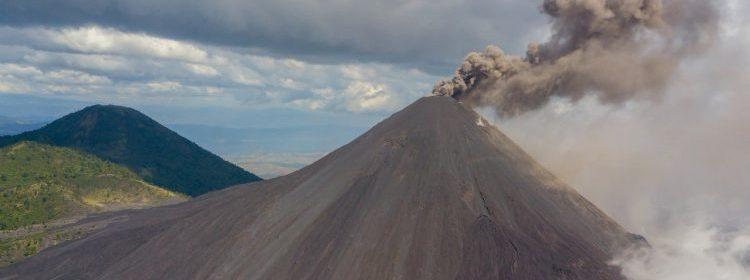 Insivumeh podría caer ceniza del volcán de Pacaya sobre la Capital