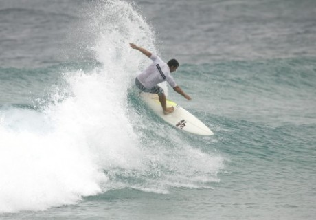 Moffat Beach surfer Peter Boyd shredding Main Beach to pieces en route to winning the over 35 men's final