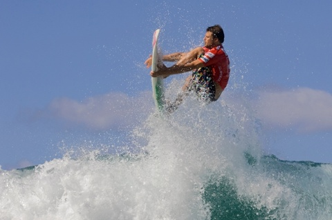 Dane Reynolds (USA), 23, 2009 ASP Dream Tour sophomore, scored the first perfect 10 of the 2009 ASP World Tour season, eliminating friend and neighbor Nathaniel Curran (USA), 23, 2009 ASP Dream Tour rookie, in Round 2.