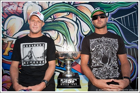 Mick Fanning (AUS), 28, and Joel Parkinson (AUS), 28, will battle for the 2009 ASP World Title at the Billabong Pipeline Masters.