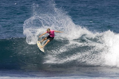 Steph Gilmore preps for the Billabong Pro Maui. See Top Stories, right.