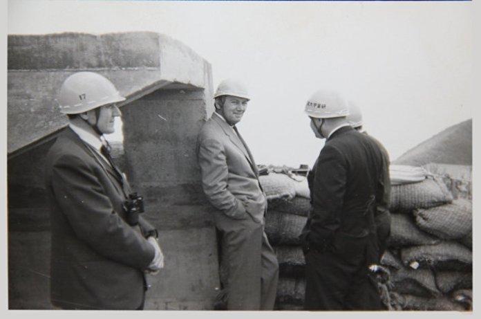 Генерал Вучуровић на терену током провере нове технике