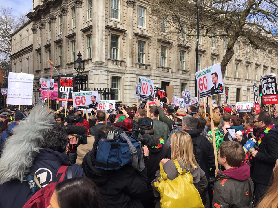 Protesters in London calling for Cameron to resign following his links to the Panama papers (Photo: People's Assembly Against Austerity via Facebook)